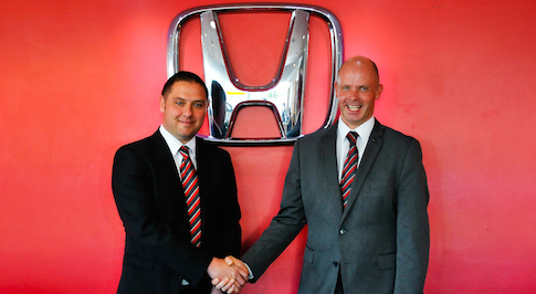 Vertu Honda colleague wins prestigious award after going the extra mile