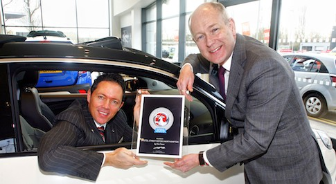 Bristol Street Motors Vauxhall Northampton receives national customer service award