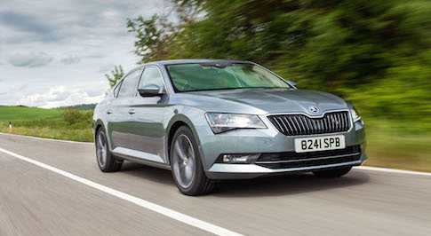 New SKODA Superb leads field of rider on Tour de France 2015