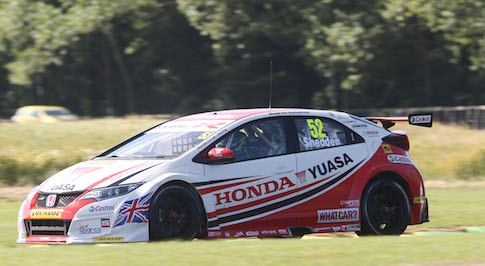 Shedden and Neal targeting podium at Snetterton