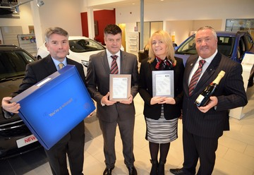 Bristol Street Motors Vauxhall Durham celebrates award win for excellent customer service